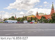 Купить «Боровицкие ворота Московского Кремля», эксклюзивное фото № 6859027, снято 26 августа 2014 г. (c) Алёшина Оксана / Фотобанк Лори
