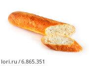 Купить «Нарезанный батон белого хлеба», эксклюзивное фото № 6865351, снято 3 января 2015 г. (c) Юрий Морозов / Фотобанк Лори