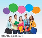 Купить «group of smiling students with text bubbles», фото № 6886591, снято 22 июня 2014 г. (c) Syda Productions / Фотобанк Лори