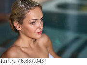Купить «close up of woman in swimsuit at swimming pool», фото № 6887043, снято 15 декабря 2014 г. (c) Syda Productions / Фотобанк Лори