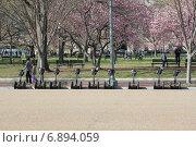 Стоянка сегвеев возле Белого дома, Вашингтон (2014 год). Редакционное фото, фотограф Алексей Мальцев / Фотобанк Лори