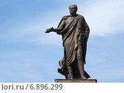 Купить «Скульптура императора Александра I в Таганроге», фото № 6896299, снято 19 апреля 2014 г. (c) Борис Панасюк / Фотобанк Лори