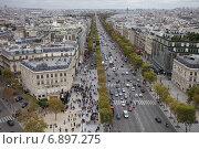 Купить «Осенний Париж, вид сверху на Елисейские Поля», фото № 6897275, снято 11 октября 2011 г. (c) Яна Королёва / Фотобанк Лори