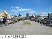 Купить «Москва. Парк на Комсомольской площади», эксклюзивное фото № 6899283, снято 22 июля 2014 г. (c) Елена Коромыслова / Фотобанк Лори