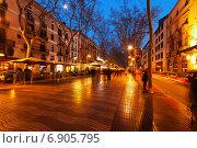 Купить «Evening view of Rambla in Barcelona», фото № 6905795, снято 13 марта 2014 г. (c) Яков Филимонов / Фотобанк Лори