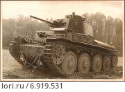 Купить «Германо-чешский лёгкий танк LT vz.38 (Panzerkampfwagen 38(t).Старая фотография времён Второй мировой войны», иллюстрация № 6919531 (c) александр афанасьев / Фотобанк Лори