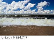 Купить «Балтийское море и кучевые облака», фото № 6924747, снято 20 июля 2013 г. (c) Сергей Трофименко / Фотобанк Лори