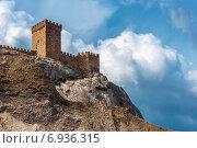 Купить «Руины средневекового генуэзской крепости в городе Сугдея (в настоящее время - Судак)», фото № 6936315, снято 1 июня 2014 г. (c) виктор химич / Фотобанк Лори