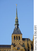Купить «Шпиль Аббатство Сан Мишель,  Нормандия , Франция», фото № 6936691, снято 2 января 2014 г. (c) Татьяна Кахилл / Фотобанк Лори