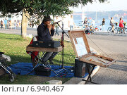 Купить «Уличный музыкант, перуанец», фото № 6940467, снято 26 октября 2014 г. (c) Мария Николаева / Фотобанк Лори