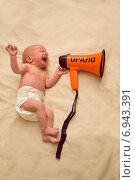 Купить «Новорожденный ребенок плачет», фото № 6943391, снято 12 января 2015 г. (c) Анастасия Улитко / Фотобанк Лори