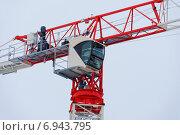 Купить «Кабина оператора башенного строительного крана», фото № 6943795, снято 26 января 2015 г. (c) Nikolay Pestov / Фотобанк Лори