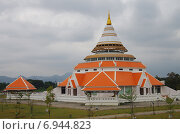Купить «Музей на территории храма Wat Thewa Sangkharam, Канчанабури, Таиланд», фото № 6944823, снято 11 января 2015 г. (c) Natalya Sidorova / Фотобанк Лори
