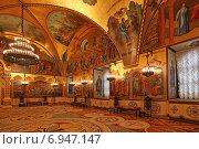 Купить «Внутреннее убранство Грановитой палаты, Московский Кремль», эксклюзивное фото № 6947147, снято 29 января 2015 г. (c) Алексей Гусев / Фотобанк Лори