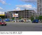 Купить «Многоуровневый паркинг на Щелковском шоссе в Гольяново в Москве», эксклюзивное фото № 6951327, снято 1 июля 2012 г. (c) lana1501 / Фотобанк Лори