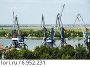 Купить «Портовые краны Азова», фото № 6952231, снято 25 мая 2014 г. (c) Борис Панасюк / Фотобанк Лори