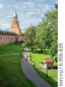 Купить «Новгородский кремль», фото № 6956835, снято 22 августа 2014 г. (c) Зезелина Марина / Фотобанк Лори