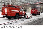Купить «Пожарные автомобили ЗИЛ-130», фото № 6967599, снято 1 февраля 2015 г. (c) Данила Васильев / Фотобанк Лори