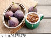 Купить «Jug of fig jam and bowl of fresh figs. Healthy dessert», фото № 6978679, снято 6 июня 2020 г. (c) BE&W Photo / Фотобанк Лори