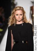 Купить «NEW YORK - SEPTEMBER 11: A Model walks runway for MTCostello Spring/Summer 2015 presentation at Mercedes-Benz Fashion Week at Lincoln Center during New York Fashion Week on September 11, 2014 in NYC.», фото № 6982651, снято 11 сентября 2014 г. (c) Anton Oparin / Фотобанк Лори