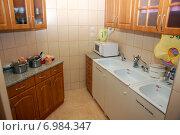 Купить «Мини-кухня в группе детского сада», фото № 6984347, снято 20 января 2010 г. (c) Владимир Горощенко / Фотобанк Лори