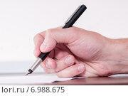 Купить «Подписание договора», фото № 6988675, снято 17 октября 2014 г. (c) Королевский Иван / Фотобанк Лори