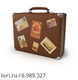 Купить «Старый чемодан с наклейками», иллюстрация № 6989327 (c) Anatoly Maslennikov / Фотобанк Лори