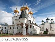 Купить «Ипатьевский монастырь, Кострома», фото № 6989955, снято 25 июля 2014 г. (c) Наталья Волкова / Фотобанк Лори