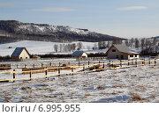 Купить «Постройка дома на выделенном участке», фото № 6995955, снято 8 февраля 2015 г. (c) Виталий Матонин / Фотобанк Лори