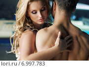 Nude couple in the bosom of nature. Стоковое фото, агентство Ingram Publishing / Фотобанк Лори