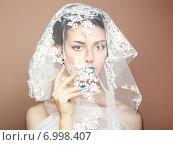 Купить «Fashion photo of beautiful women under white veil», фото № 6998407, снято 7 января 2014 г. (c) Ingram Publishing / Фотобанк Лори