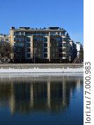 Купить «Жилой комплекс Course House, Курсовой переулок, 13. Москва», эксклюзивное фото № 7000983, снято 10 февраля 2015 г. (c) lana1501 / Фотобанк Лори