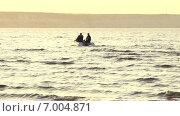 Купить «Двое рыбаков на озере», видеоролик № 7004871, снято 5 сентября 2014 г. (c) Курганов Александр / Фотобанк Лори