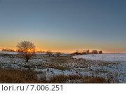 Купить «Закат в полях Тульской области зимой», фото № 7006251, снято 7 января 2015 г. (c) Валерий Боярский / Фотобанк Лори