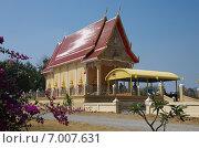 Храм Wat Summanawat (Wat Khao Ka Lok)  в Пранбури, Таиланд (2015 год). Стоковое фото, фотограф Natalia Sidorova / Фотобанк Лори