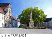 Цистерцианское аббатство Хайлигенкройц в Австрии летним днем (2012 год). Стоковое фото, фотограф Наталья Волкова / Фотобанк Лори