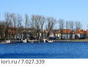 Купить «Городской пейзаж, вид на набережную Верхнего озера. Калининград», фото № 7027339, снято 16 февраля 2015 г. (c) Сергей Куров / Фотобанк Лори