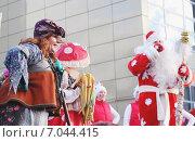 Купить «Детское представление. Баба Яга», фото № 7044415, снято 3 января 2015 г. (c) Козырин Илья / Фотобанк Лори