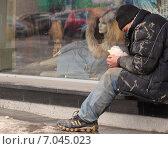 Бездомный (2014 год). Редакционное фото, фотограф Илья Воловиков / Фотобанк Лори