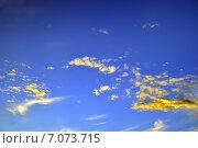 Купить «Небесный пейзаж с красиво подсвеченными облаками», фото № 7073715, снято 21 января 2014 г. (c) Сергей Трофименко / Фотобанк Лори