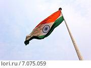 Флаг Республики Индии на фоне неба (2015 год). Стоковое фото, фотограф Вячеслав Беляев / Фотобанк Лори