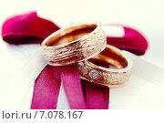 Gold wedding rings. Обручальные кольца. Стоковое фото, фотограф Ксения Богданова / Фотобанк Лори