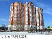 Купить «Кольская улица, 2, корпус 5. Москва», эксклюзивное фото № 7089231, снято 25 февраля 2015 г. (c) lana1501 / Фотобанк Лори