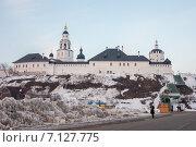 Панорама крепости, остров Свияжск (2015 год). Редакционное фото, фотограф needadventures / Фотобанк Лори