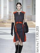Купить «NEW YORK, NY - FEBRUARY 18: A model walks the runway at the Boss Womens fashion show during Mercedes-Benz Fashion Week Fall on February 18, 2015 in NYC.», фото № 7130203, снято 18 февраля 2015 г. (c) Anton Oparin / Фотобанк Лори