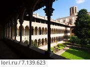 Купить «Cloister of Pedralbes Monastery at Barcelona», фото № 7139623, снято 26 мая 2018 г. (c) Яков Филимонов / Фотобанк Лори