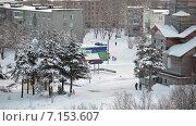 Купить «Церковь на бульваре Советов и улице Антикайнена, город Сегежа, Карелия. Зима», видеоролик № 7153607, снято 1 февраля 2015 г. (c) Кекяляйнен Андрей / Фотобанк Лори