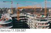 Купить «Строительство дома, вид сверху», видеоролик № 7159587, снято 22 марта 2015 г. (c) Discovod / Фотобанк Лори