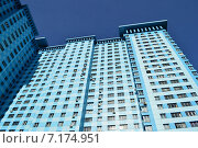 Двадцативосьмиэтажный пятиподъездный монолитный жилой дом. Авиационная улица, 59. Москва (2015 год). Стоковое фото, фотограф lana1501 / Фотобанк Лори
