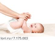 Купить «A mother and child play beds in the bedroom.», фото № 7175003, снято 13 ноября 2019 г. (c) Александр Савченко / Фотобанк Лори
